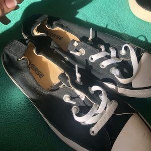 Size 9 Converse women's shoreline low top sneaker